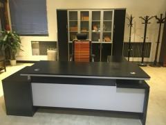 广东现代办公家具:1.8m板台+书柜